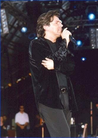 Thomas Anders Hintergrund with a konzert called Thomas Anders