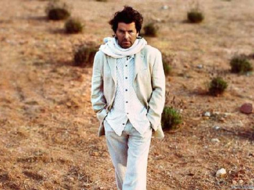 Thomas Anders achtergrond possibly containing a well dressed person called Thomas Anders