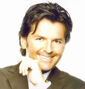 Thomas Anders achtergrond with a business suit, a well dressed person, and a suit titled Thomas Anders