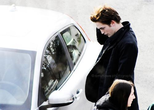 Twilight Edward Cullen candid चित्र