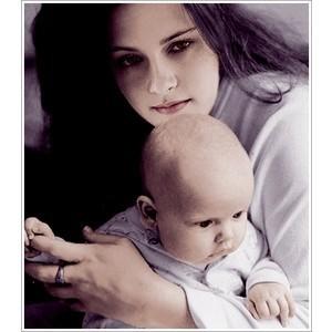 Vampire bella holding her renesmee