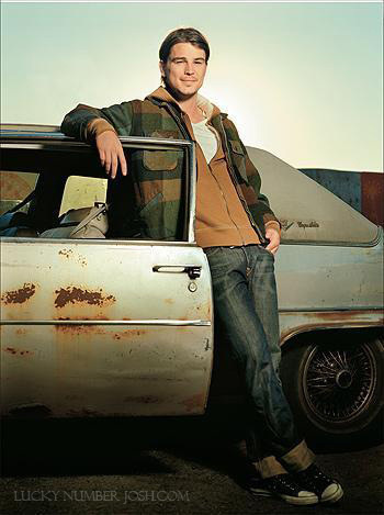 Josh Hartnett achtergrond containing an automobile called Vanity Fair italy(sept '08)