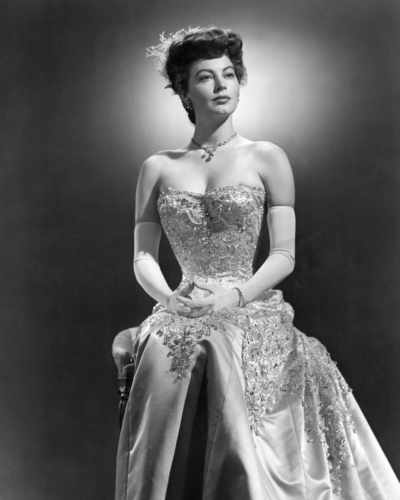 sinema bora karatasi la kupamba ukuta with a gown, a bridal gown, and a ball kanzu, gown entitled Ava Gardner
