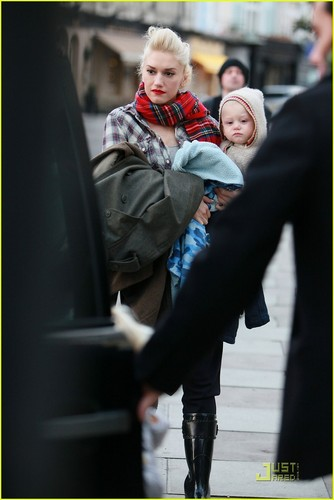Gwen & Family in England