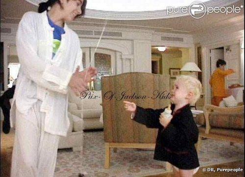 Jackson's 婴儿 ;*