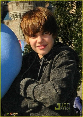 Justin at 迪士尼 World