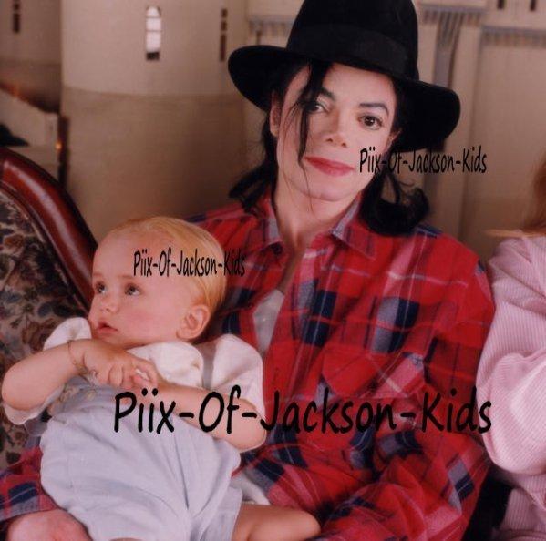 Michael's Babies ;*  - michael-jackson photo