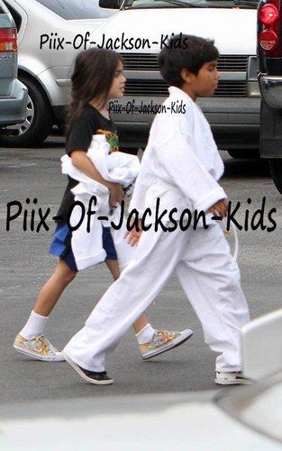 Michael's शिशु ;*