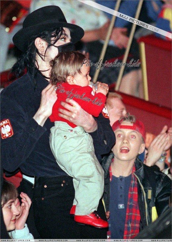 Michael's 婴儿 ;*