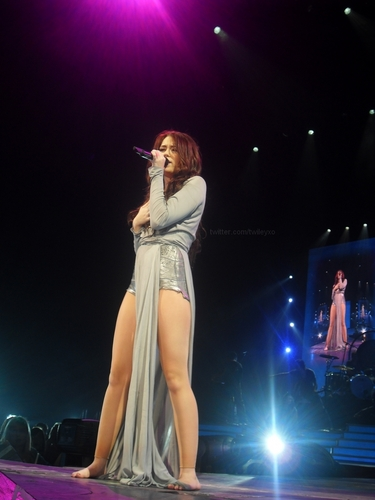 Miley 2009 Wonderworld Tour - Birmingham