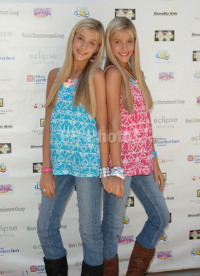 Milly & Becky Rosso images Milly & Becky: Small Change To Make A Difference  for Operation Smile Teen Hollywood Back to School wallpaper and background  ...