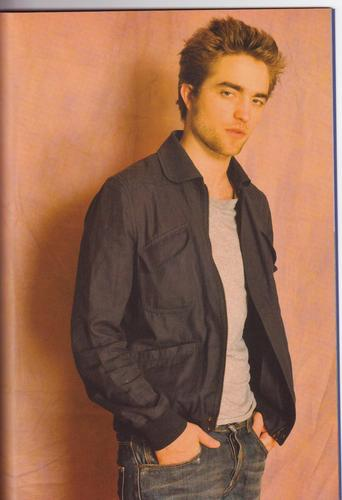 madami New Pictures Of Robert Pattinson From Hapon