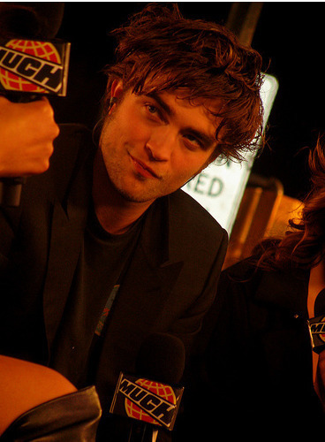 New/Old Candids of Robert Pattinson from 2008