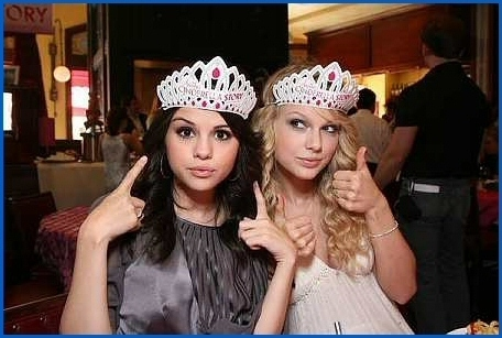 Kimmy's Photo Album Premiere-of-Another-Cinderella-Story-taylor-swift-and-selena-gomez-9527830-456-307