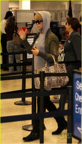 Rihanna @ Miami Airport