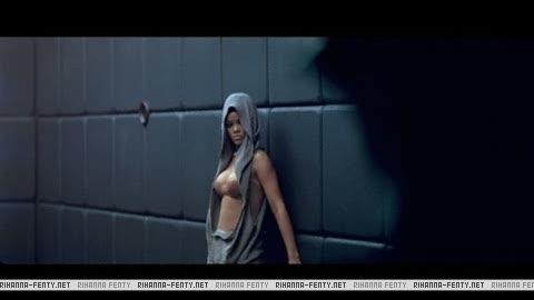 Rihanna russian roulette ceviri
