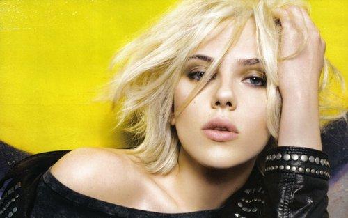 Scarlett Johansson wallpaper containing a portrait called Scarlett Johansson Widescreen Wallpaper