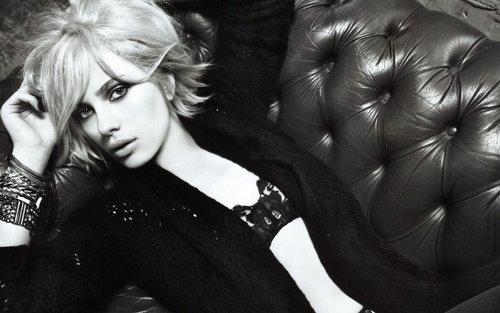 Scarlett Johansson Widescreen karatasi la kupamba ukuta