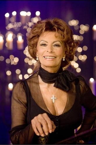 Sophia Loren in Nine