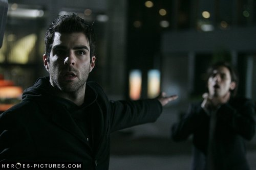 Sylar choking Peter