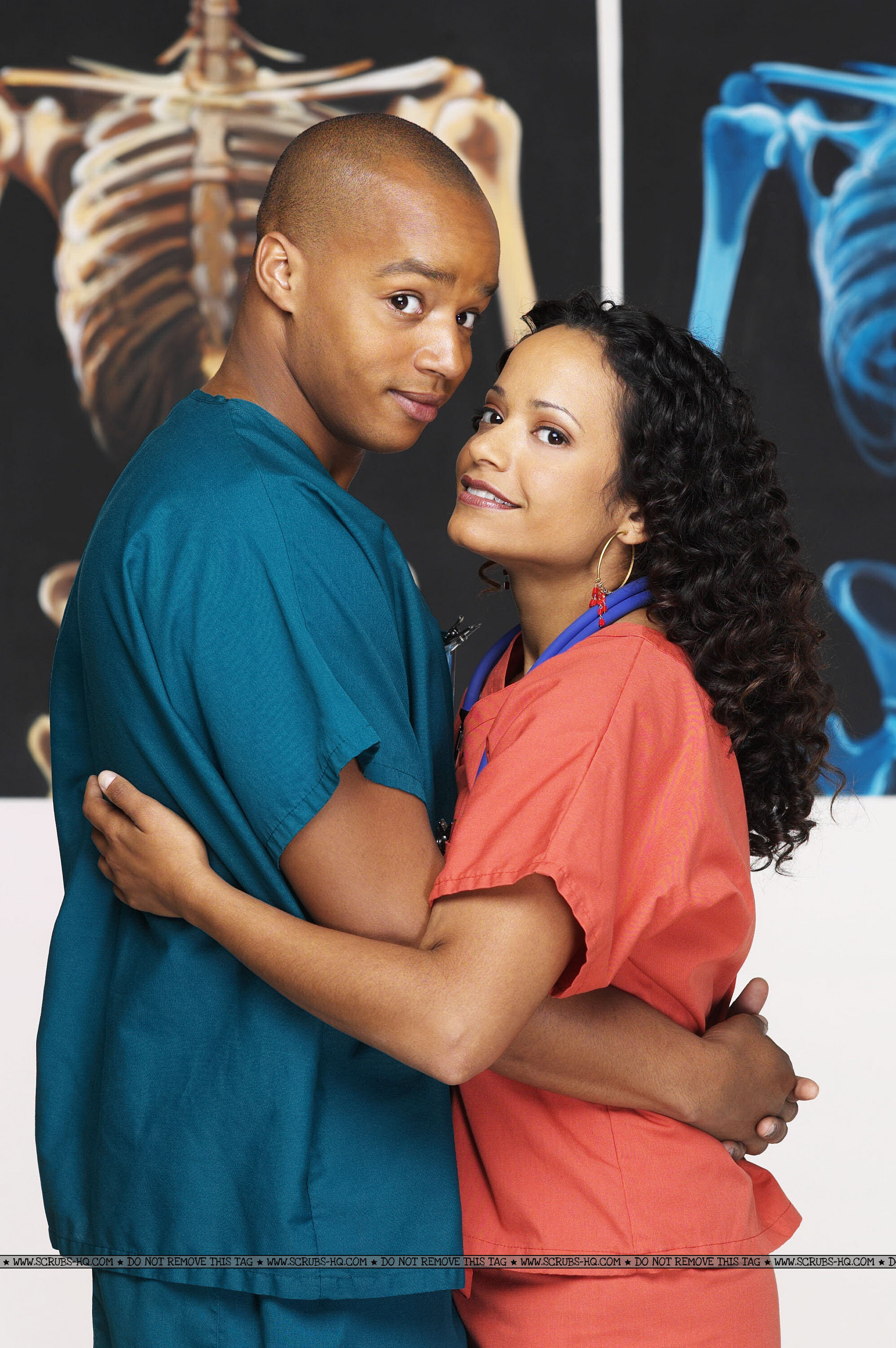 http://images2.fanpop.com/image/photos/9500000/Turk-and-Carla-HUGE-scrubs-9590555-1702-2560.jpg