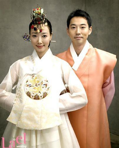 Yiruma wallpaper probably containing a kimono called Yiruma and Son Hye-Im