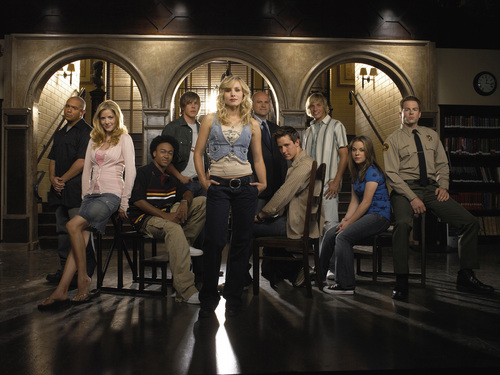 Veronica Mars দেওয়ালপত্র with a তাড়িখানা and a drawing room titled veronica mars photoshoots