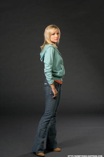 Veronica Mars wallpaper possibly with a jean, long trousers, and a pantleg, calça called veronica mars photoshoots