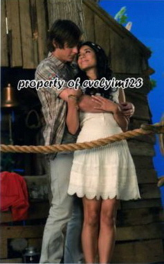 High School Musical 3 wallpaper titled zanessa