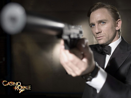 James Bond kertas dinding with a business suit and a suit titled Casino Royale