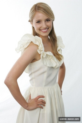 Glee wallpaper titled Dianna Agron