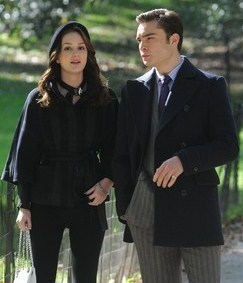 E/L - On Set of GG, Oct. 5th