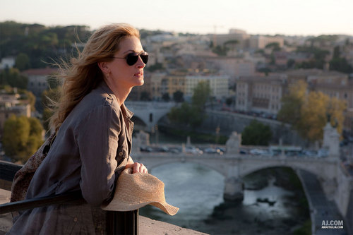 Set to release 8/13/2010, Eat Pray Love is being made into a movie.