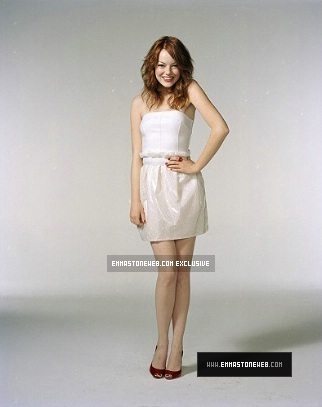 Emma Stone wallpaper containing a nightwear and a cocktail dress titled Emma
