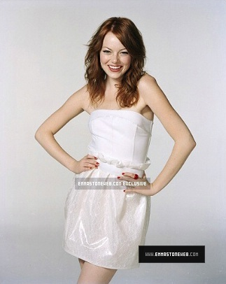 Emma Stone پیپر وال possibly containing a chemise, a dress, and a sundress کے, سوندریسس called Emma