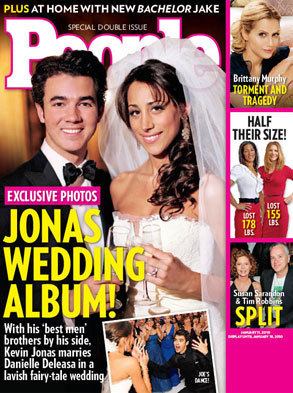 FIRST LOOK: Kevin Jonas's Wedding Photo!