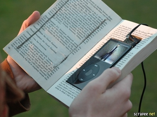 I found Cuddy's cell, iPod and a book...take a look!