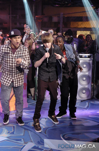 http://images2.fanpop.com/image/photos/9600000/JB-at-Much-Music-justin-bieber-9638984-397-600.jpg
