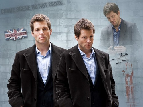 Jamie Bamber as DS Matt Devlin