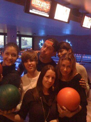 Justin with family and mga kaibigan