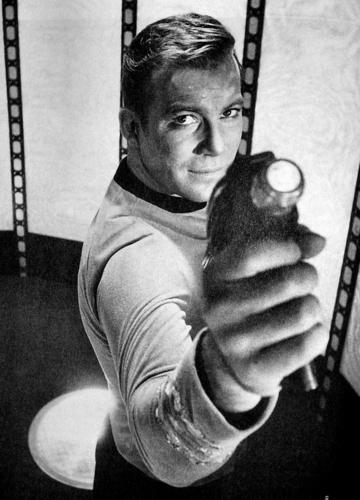 James T. Kirk fondo de pantalla titled Kirk