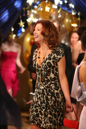 Lily Aldrin wallpaper titled Lily Stills