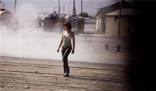 Olga Kurylenko | Quantum of Solace Production تصاویر