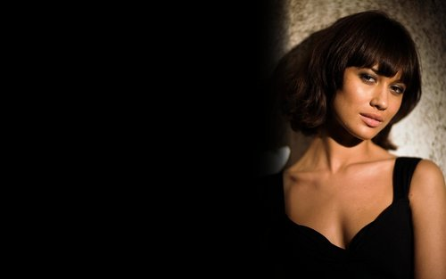 Olga Kurylenko 'Quantum of Solace' Widescreen hình nền