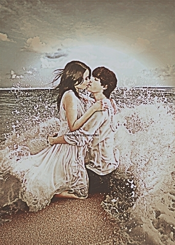 Photoshoped jemi in the ocean
