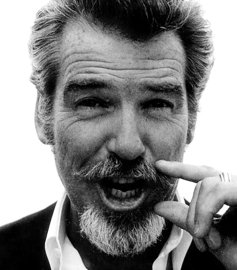 Pierce Brosnan - Photo Actress