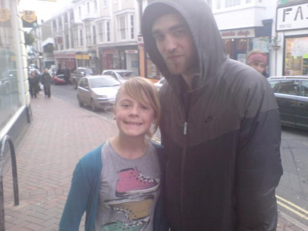 Robert Pattinson and Kristen Stewart in London - twilight-series photo