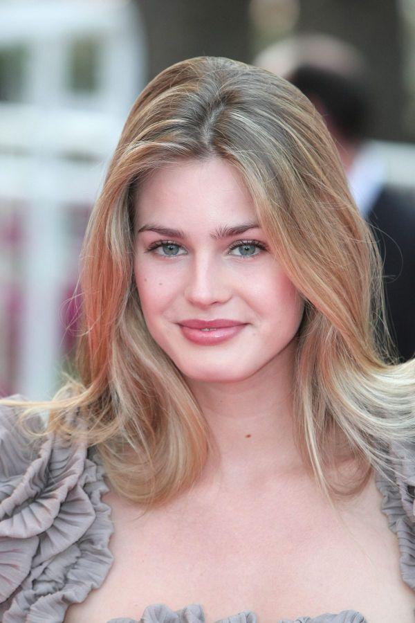Vanessa Hessler Vanessa Hessler - Beauty