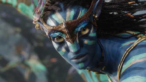 Zoe Saldana as Neytiri in अवतार