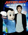 he's sooo sweet!! - freddie-highmore photo